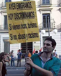 <u><center><b>Xenofobia promocionada</b></center></u>